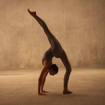 Acro dance gymnastics zona